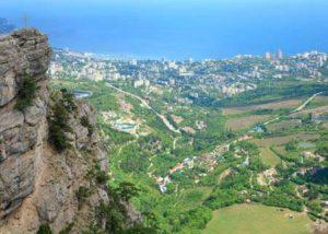Blick auf Jalta auf der Krim am Schwarzen Meer